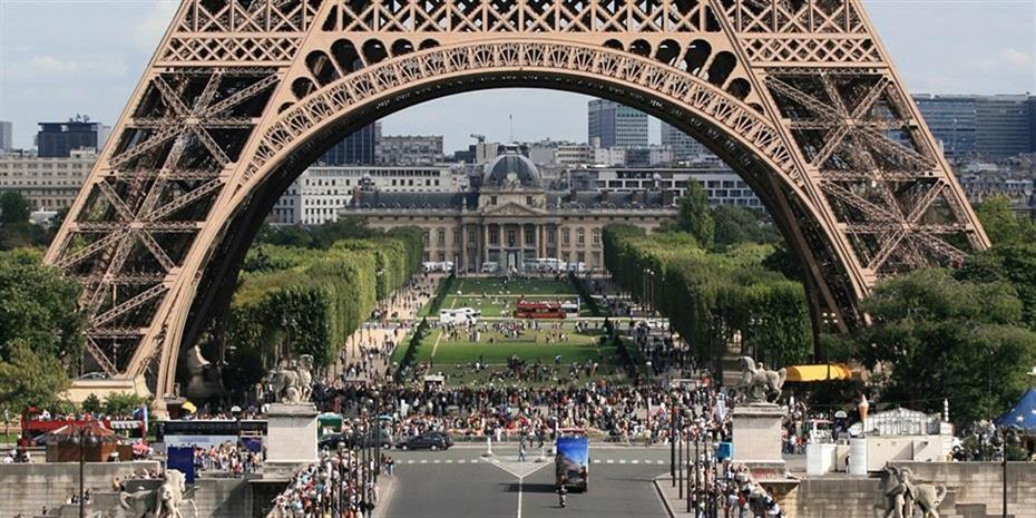 Βουτιά 15,5 δισ. στα τουριστικά έσοδα στο Παρίσι το 2020