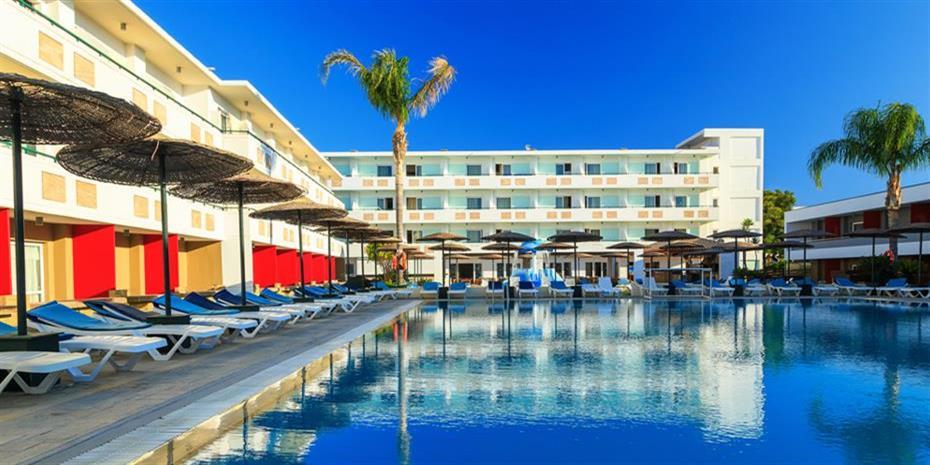 Πρώτος εργοδότης στην Ελλάδα τα ξενοδοχεία